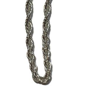 Jewelry - Sterling silver twisted necklace